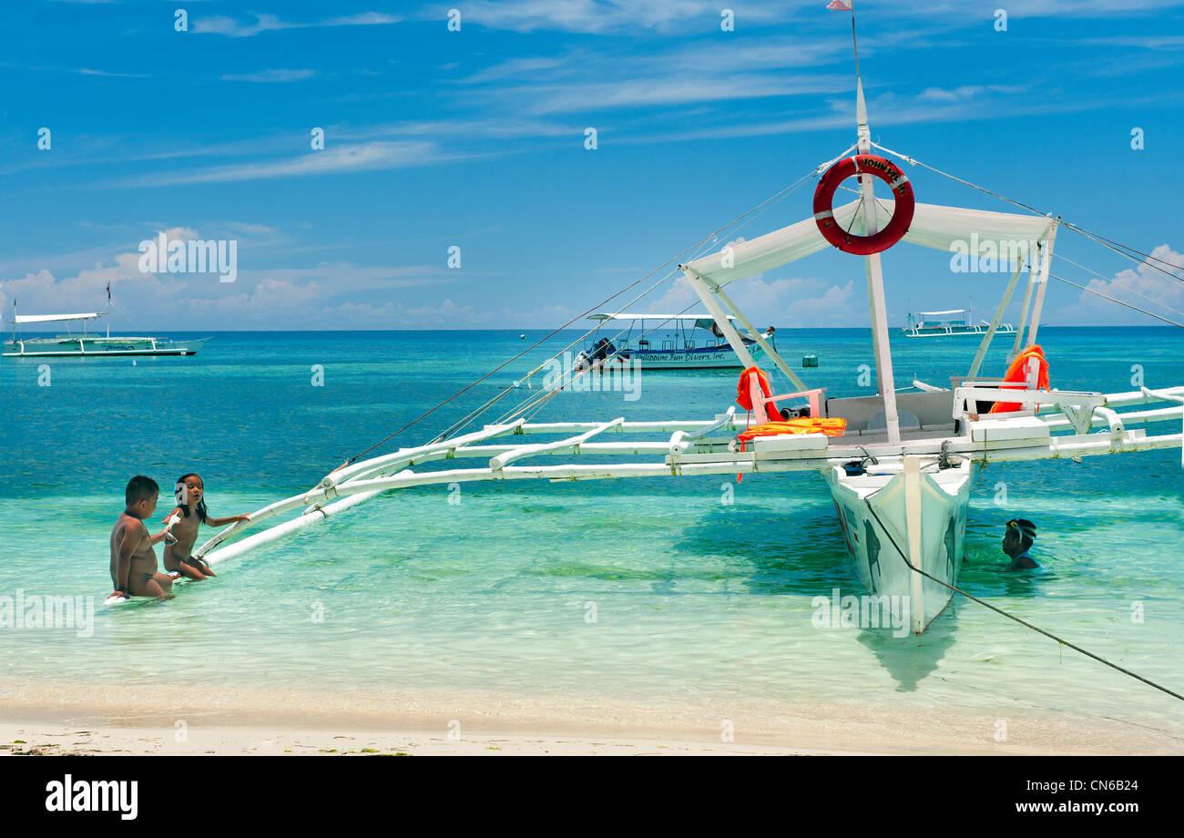 Frohe Feiertage Strand Spaß lustige Wasser Meer blau